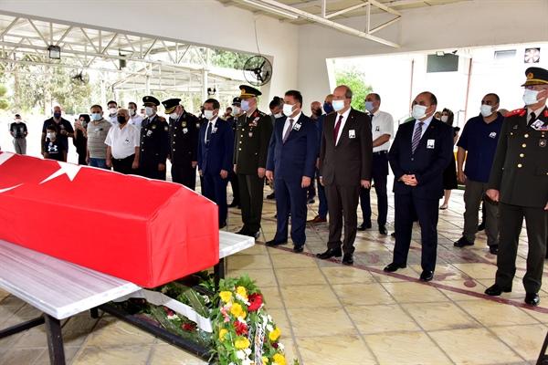 Şehit Şevket Mustafa Gürsoy'un naaşı şehit edilişinin 57'nci yılında KKTC'ye getirilerek Lefkoşa kabristanlığına defnedildi